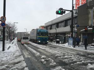 本町通りの渋滞(18日午前9時40分頃)