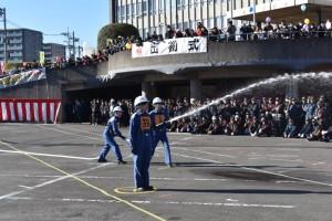志木市役所女子チームによる屋内消火栓操法
